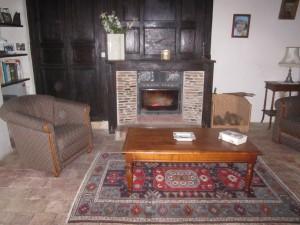 visitez la maison piece par piece dans B.visite du rez de chaussee de la maison IMG_2094-300x225